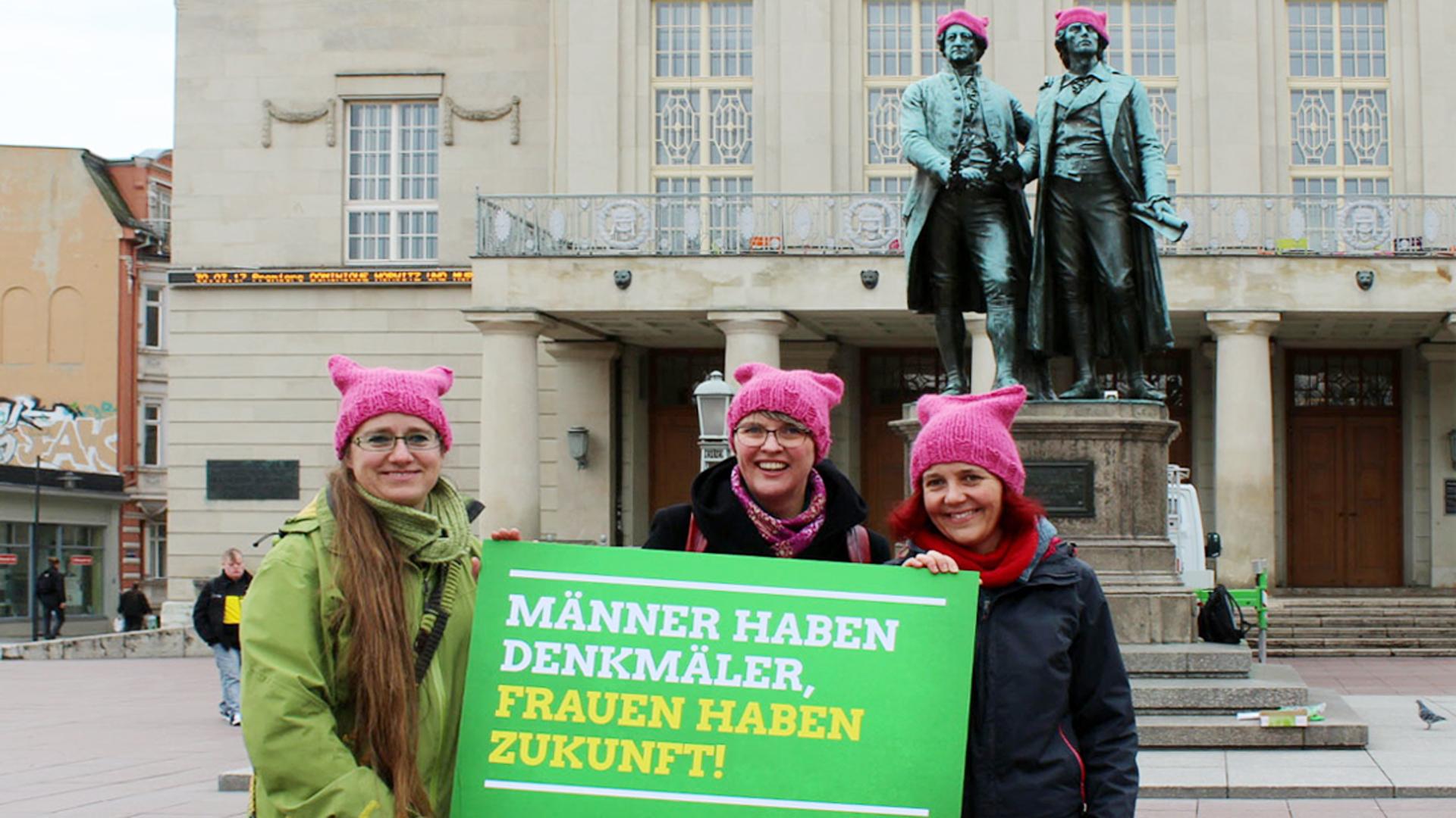 Mit pinken Mützen für Frauenrechte