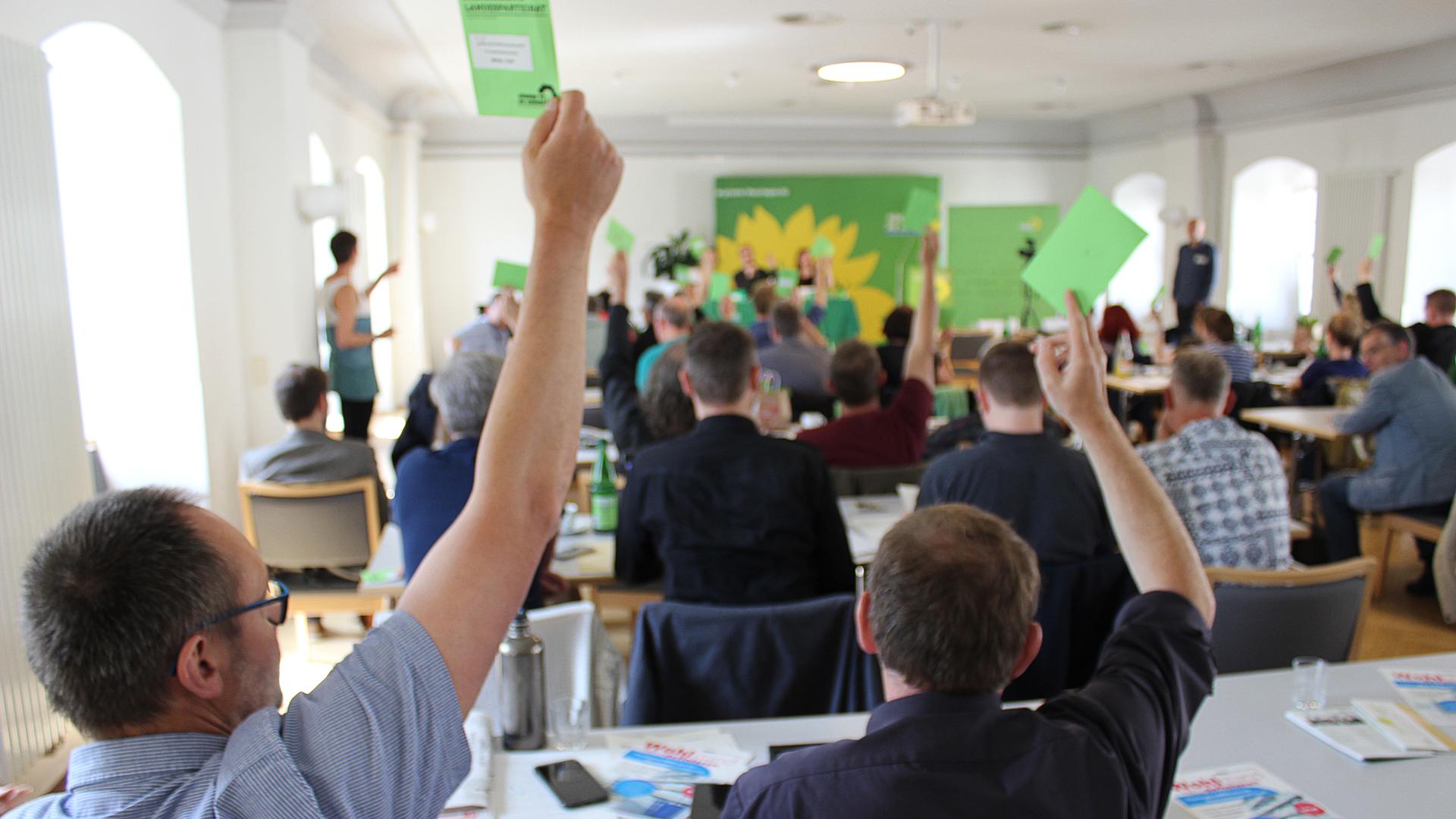 28. April: Landesparteirat fasst fünf Beschlüsse
