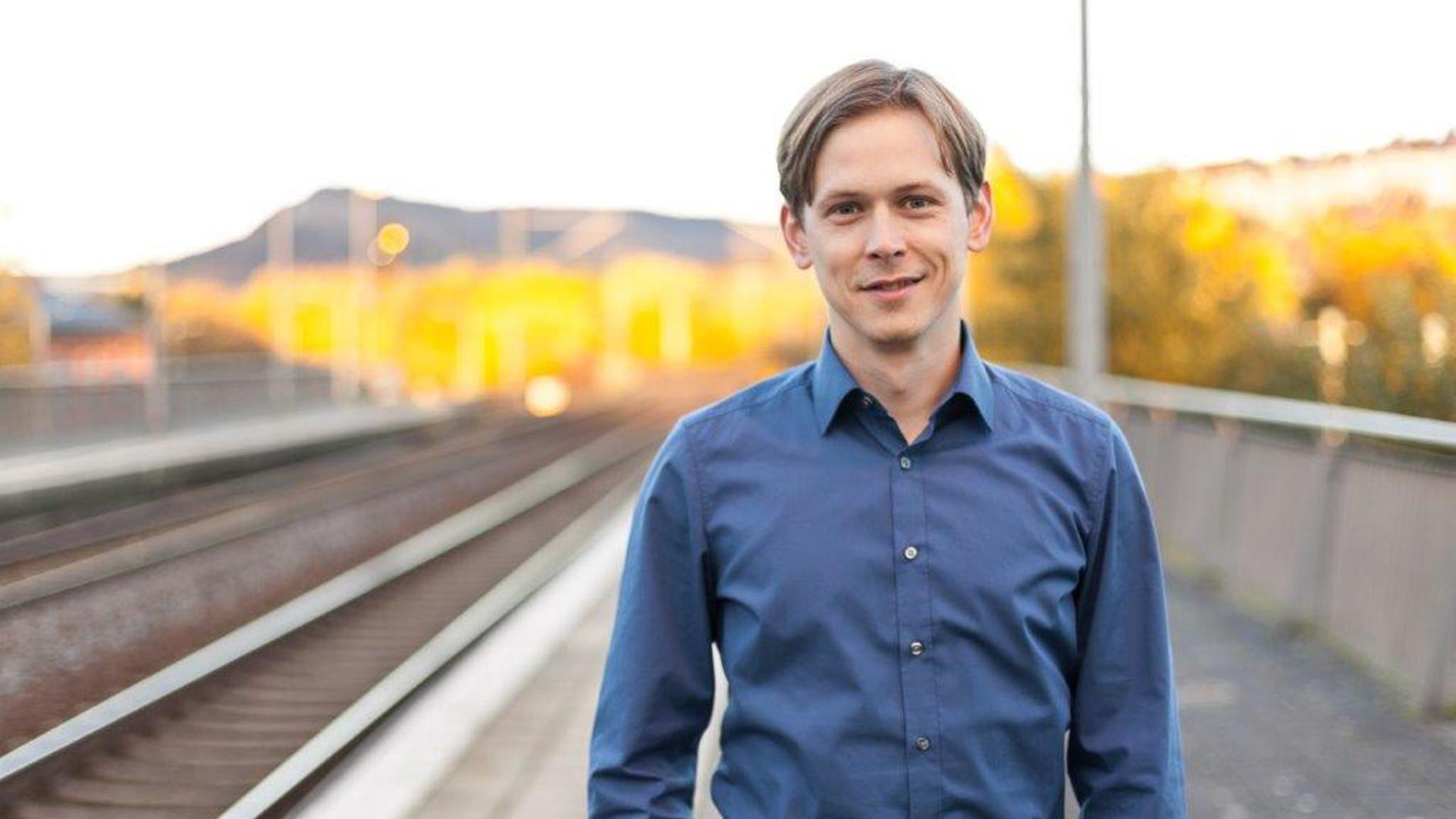 Grünen-Bundestagskandidat Heiko Knopf fordert zweigleisigen Ausbau der Mitte-Deutschland-Verbindung